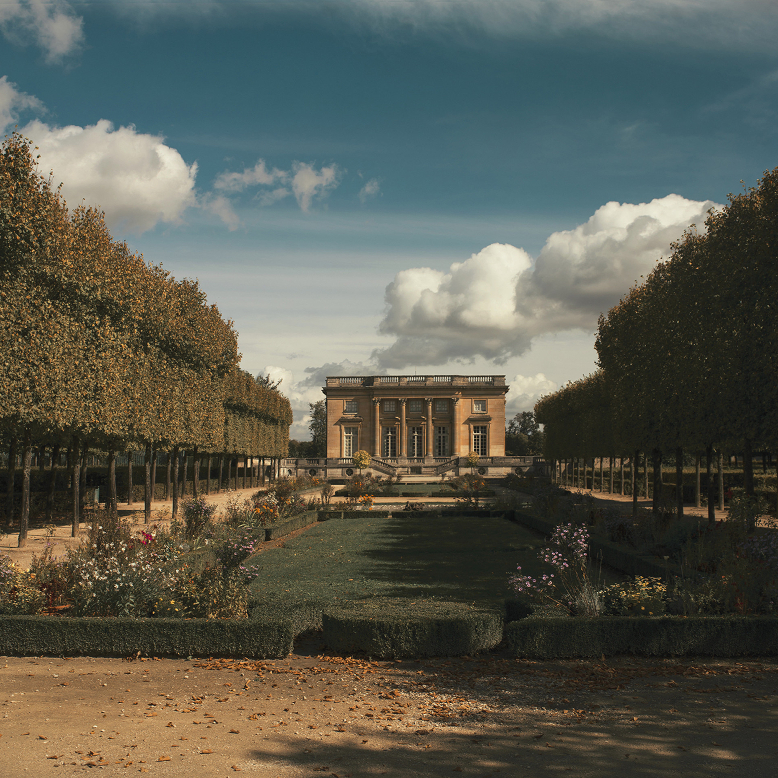 A JOURNEY THROUGH VERSAILLES WITH SIX HASSELBLAD CAMERAS