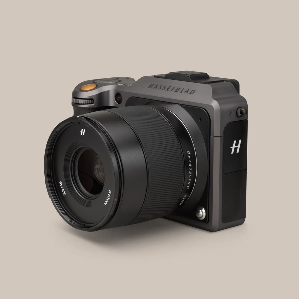HASSELBLAD XCD 65 WINS BEST STANDARD PRIME LENS AT LUCIE TECHNICAL AWARDS AND X1D II 50C ACHIEVES INNOVATION FOR TECHNOLOGY AT LUXURY BRIEFING AWARDS